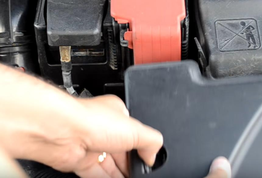 топливный фильтр Peugeot 308