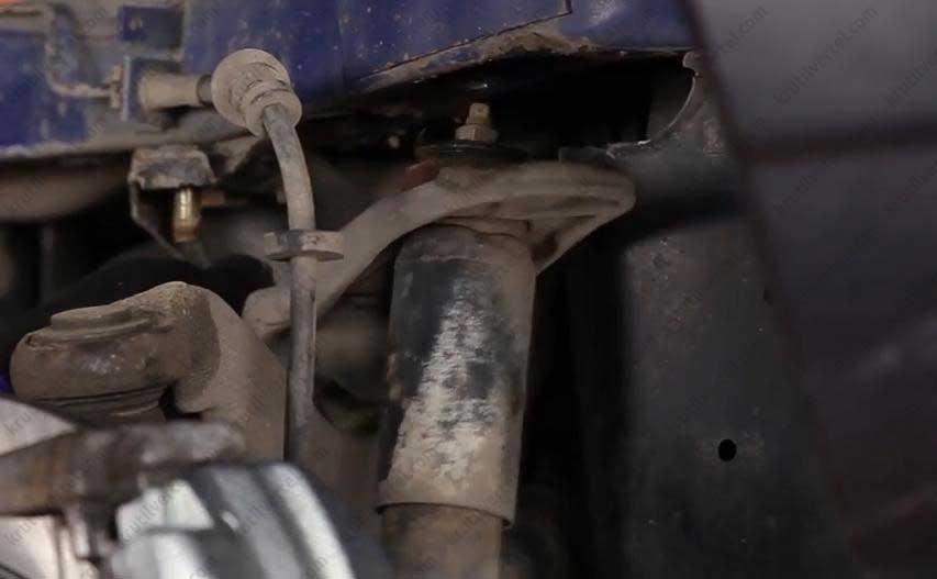 замена передних амортизаторов транспортер т4